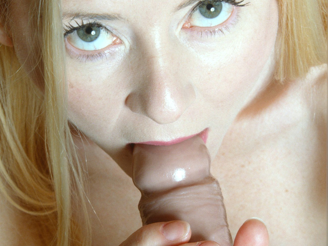 mindy is a mature horny slut who loves to play with toys in front of camera.